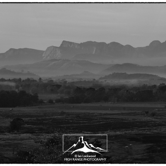 Knuckles_Range_dawn_pan#1(B&W)(LOGO)(10_16).jpg